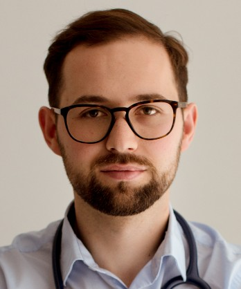Dr Patryk Uciechowski